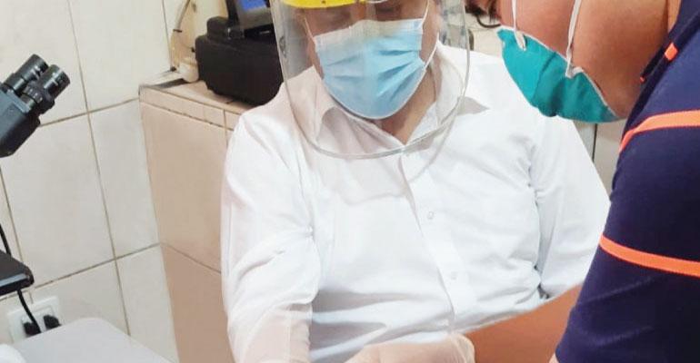 Policlínico San Marcos es el primero en el país con tecnología compacta que controla diabetes y anemia