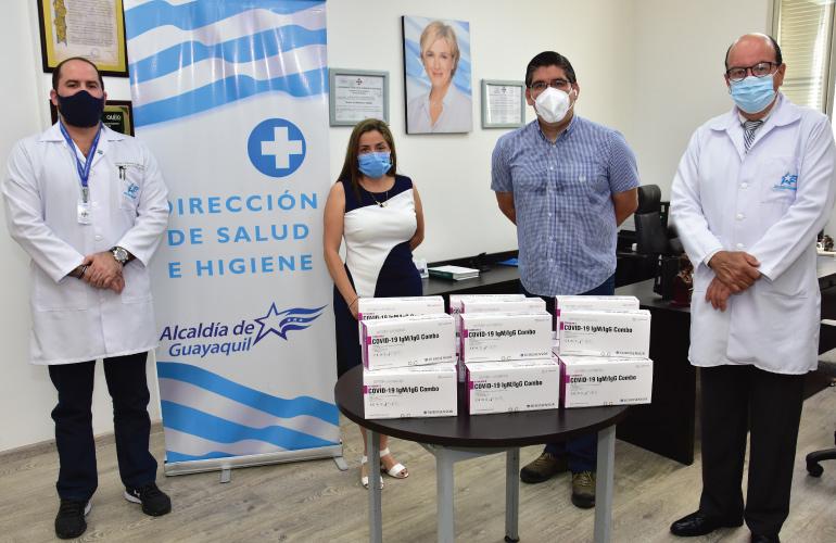 SIMED dona dos mil quinientas pruebas de diagnóstico COVID al Municipio de Guayaquil